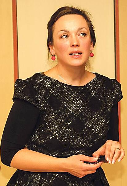 Anca Miruna Lăzărescu