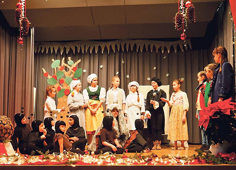 Weihnachtsfeier Geschichte.Max Und Moritz Das Etwas Andere Weihnachtsspiel